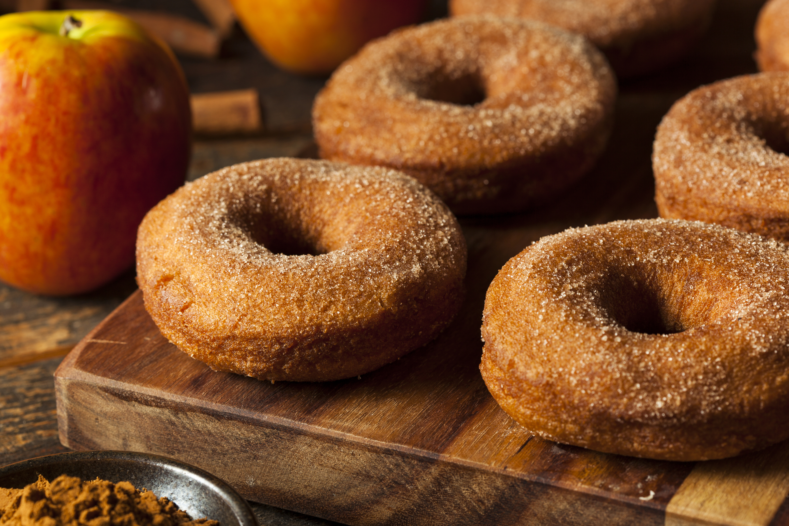 636510882401060287Warm-Apple-Cider-Donuts-000049174820_Large.jpg
