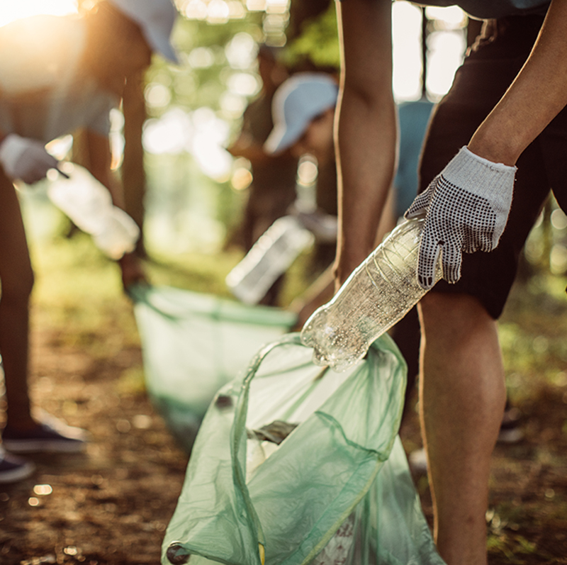 Plastic phase out? Experts discuss whether a plastic-free